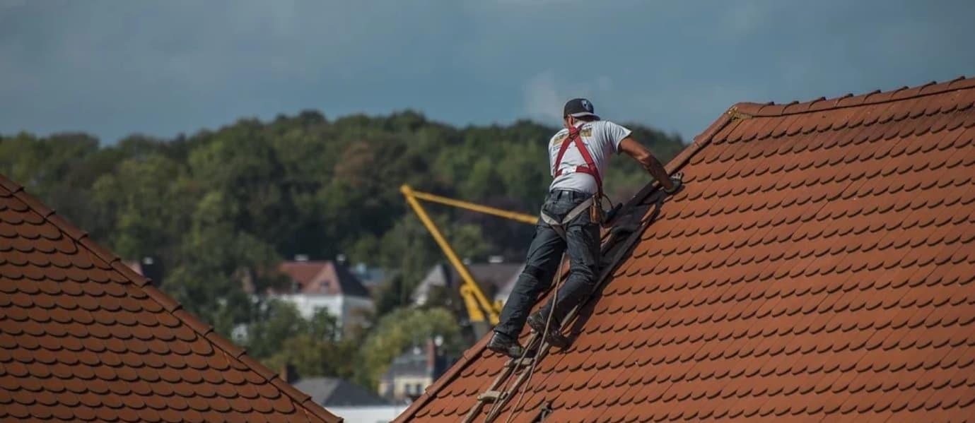 Professionelle Dachdeckerarbeiten bei Holzbau Böll GmbH